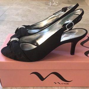 NEW Nina black satin kitten heels 👠